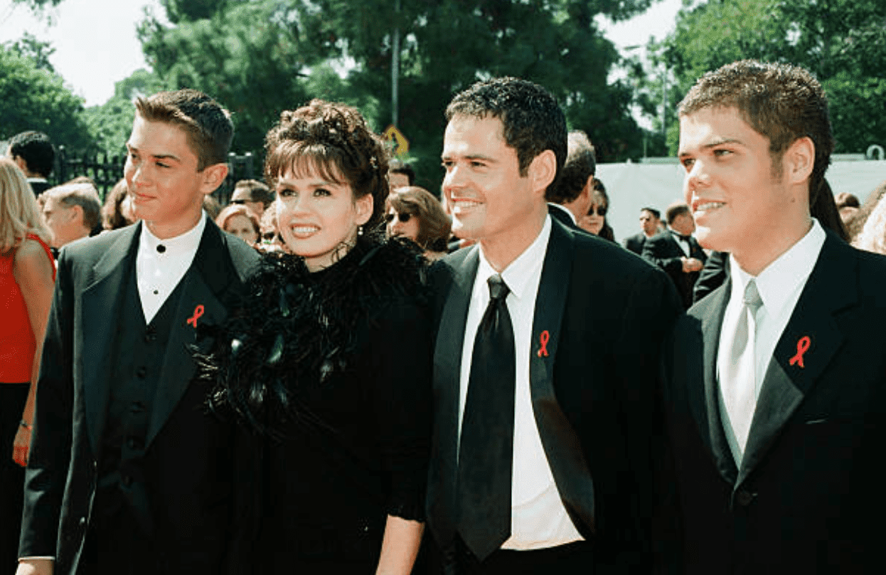 Michael Blosil, Marie Osmond, Donny Osmond, Brandon Osmond arrive at the 50th Emmy Awards on September 13, 1998, in Los Angeles | Source: Getty Images