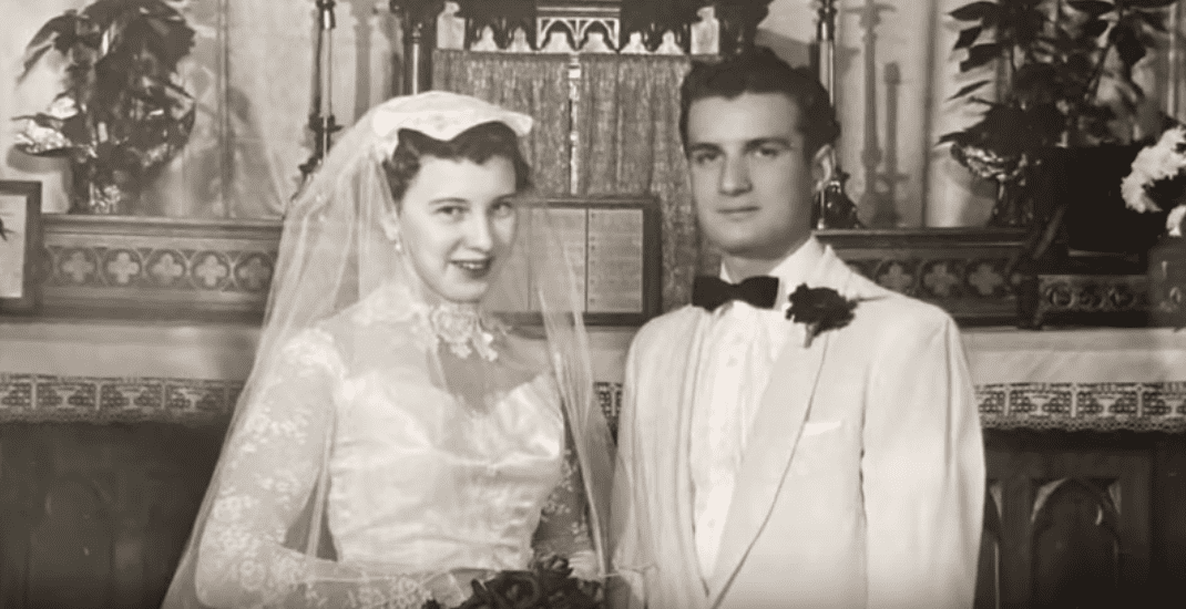 Beverley and Jerry Lindell on their wedding day, circa 1950s. | Photo: YouTube/KARE 11