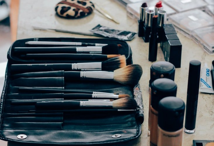 Kit de maquillage. | Photo : Getty Images
