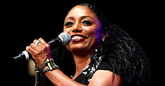 Karyn White Is Now 54 and Stuns with Her Natural Beauty in White Outfit in Gorgeous Pic