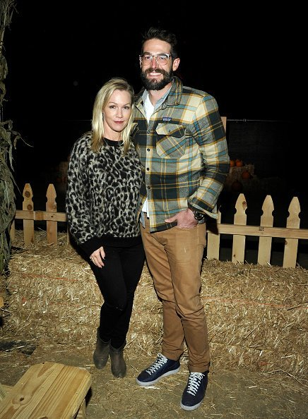 Jennie Garth and Dave Abrams attend the Nights of the Jack launch at King Gillette Ranch on October 10, 2018, in Calabasas, California. | Source: Getty Images.