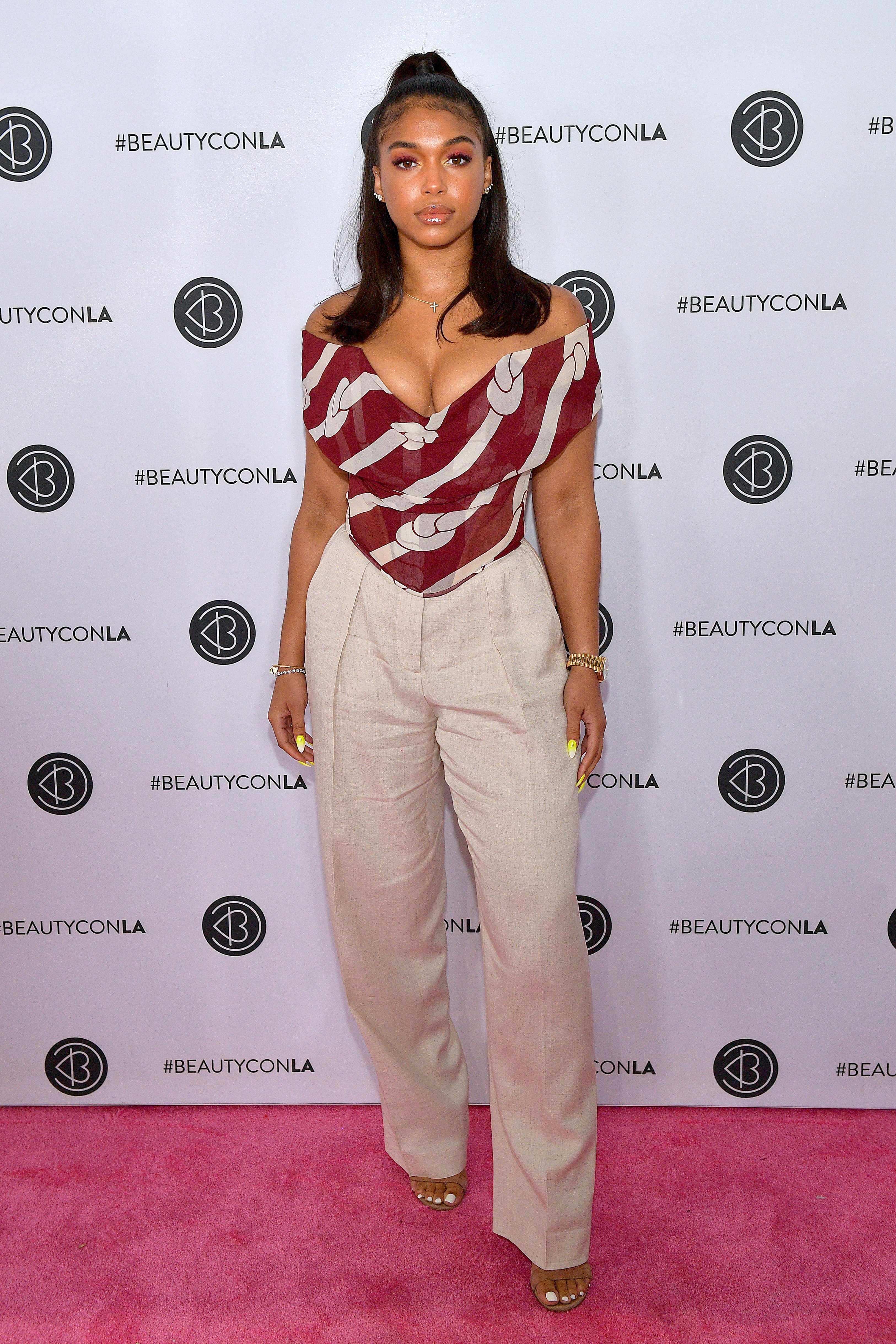 Lori Harvey attends Beautycon Los Angeles 2019 Pink Carpet at Los Angeles Convention Center on August 11, 2019 Photo: Getty Images