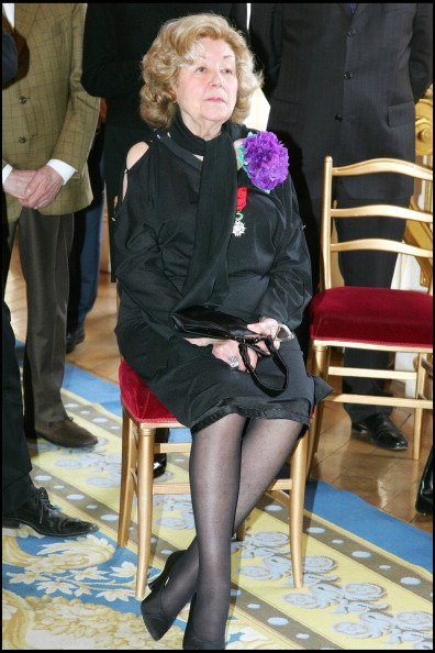 Suzy Delair - Suzy Declair est faite Officier de l'Ordre National de la Légion d'Honneur au ministère de la culture à Paris. | Photo : Getty Images