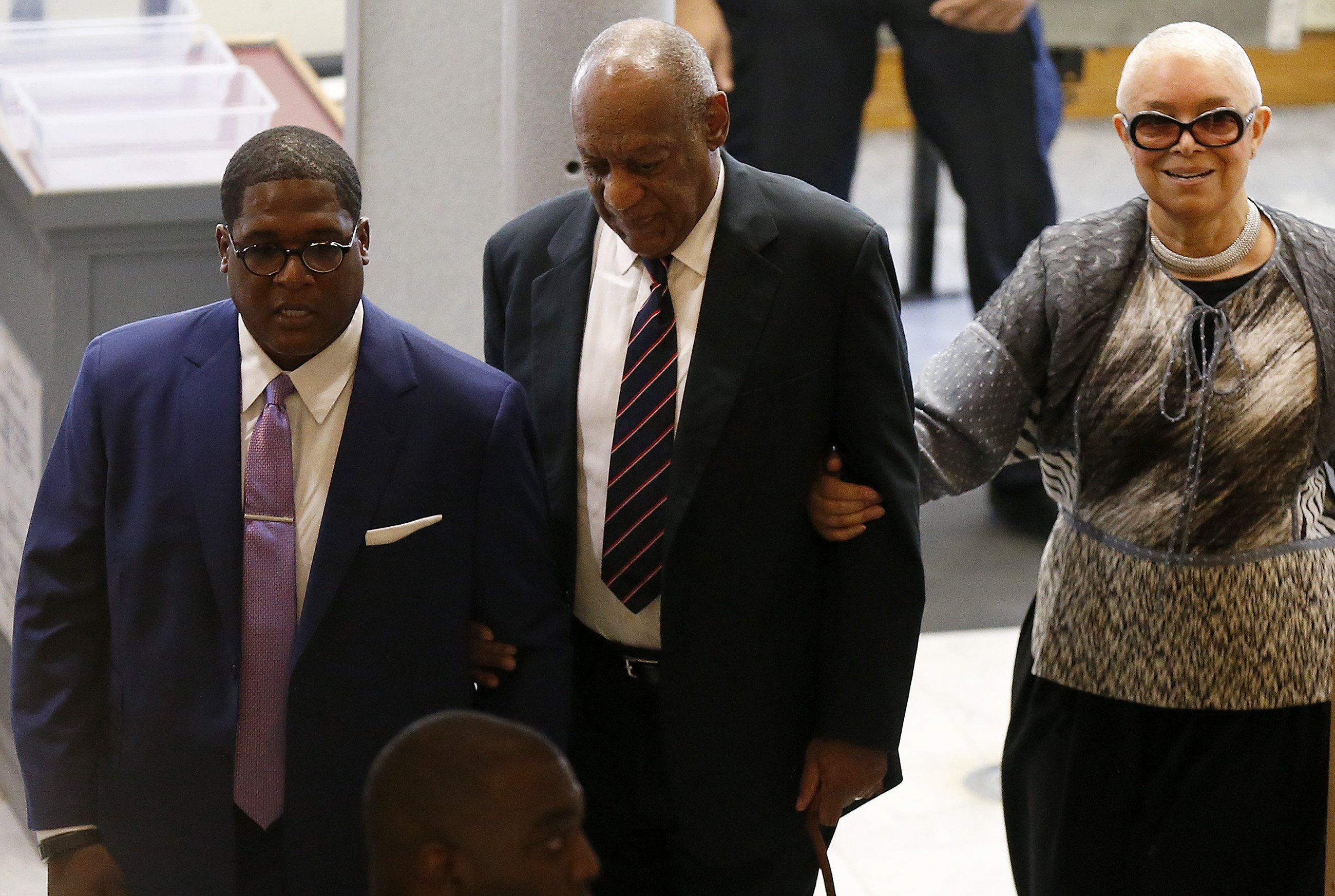 Bill and Camille Cosby and aide Andrew Wyatt enter the Montgomery County Courthouse on June 12, 2017 in in Norristown, Pennsylvania. | Photo: GettyImages