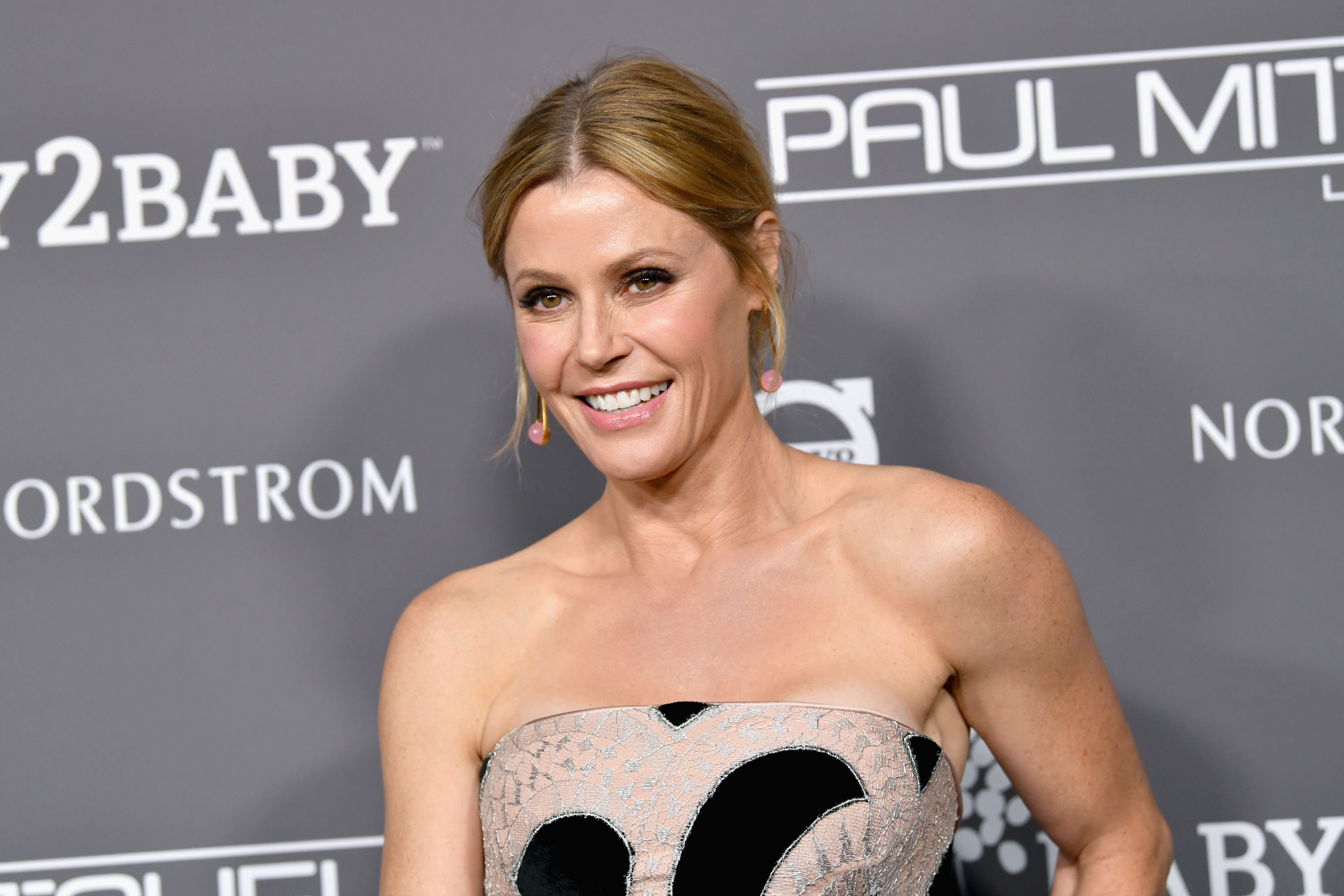 Julie Bowen at the Baby2Baby Gala at 3LABS on November 10, 2018, in Culver City, California   Photo: Emma McIntyre/Getty Images