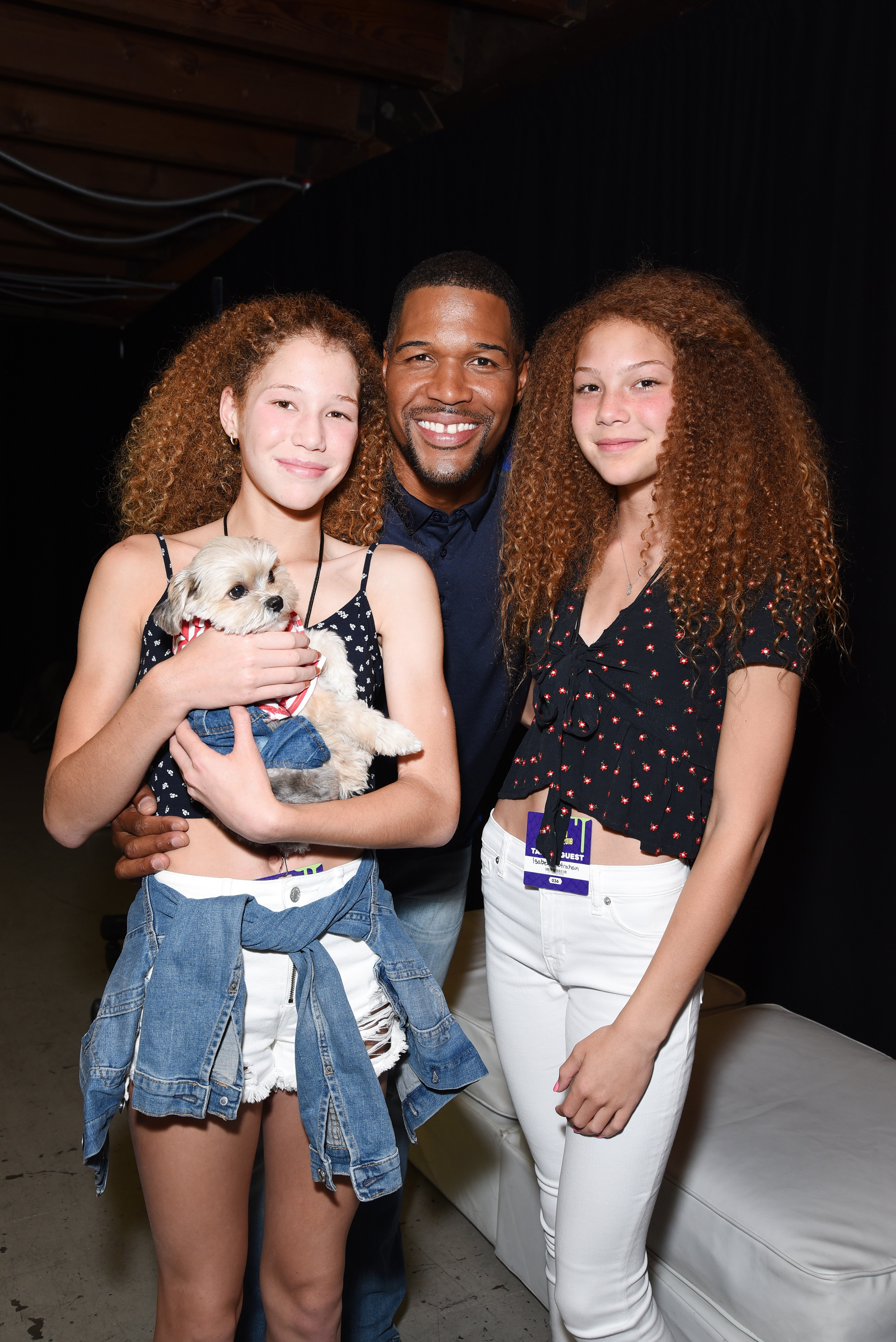 Michael Strahan (C), Sophia Strahan, & Isabella Strahan at the Nickelodeon Kids' Choice Sports on July 19, 2018 in California | Photo: Getty Images