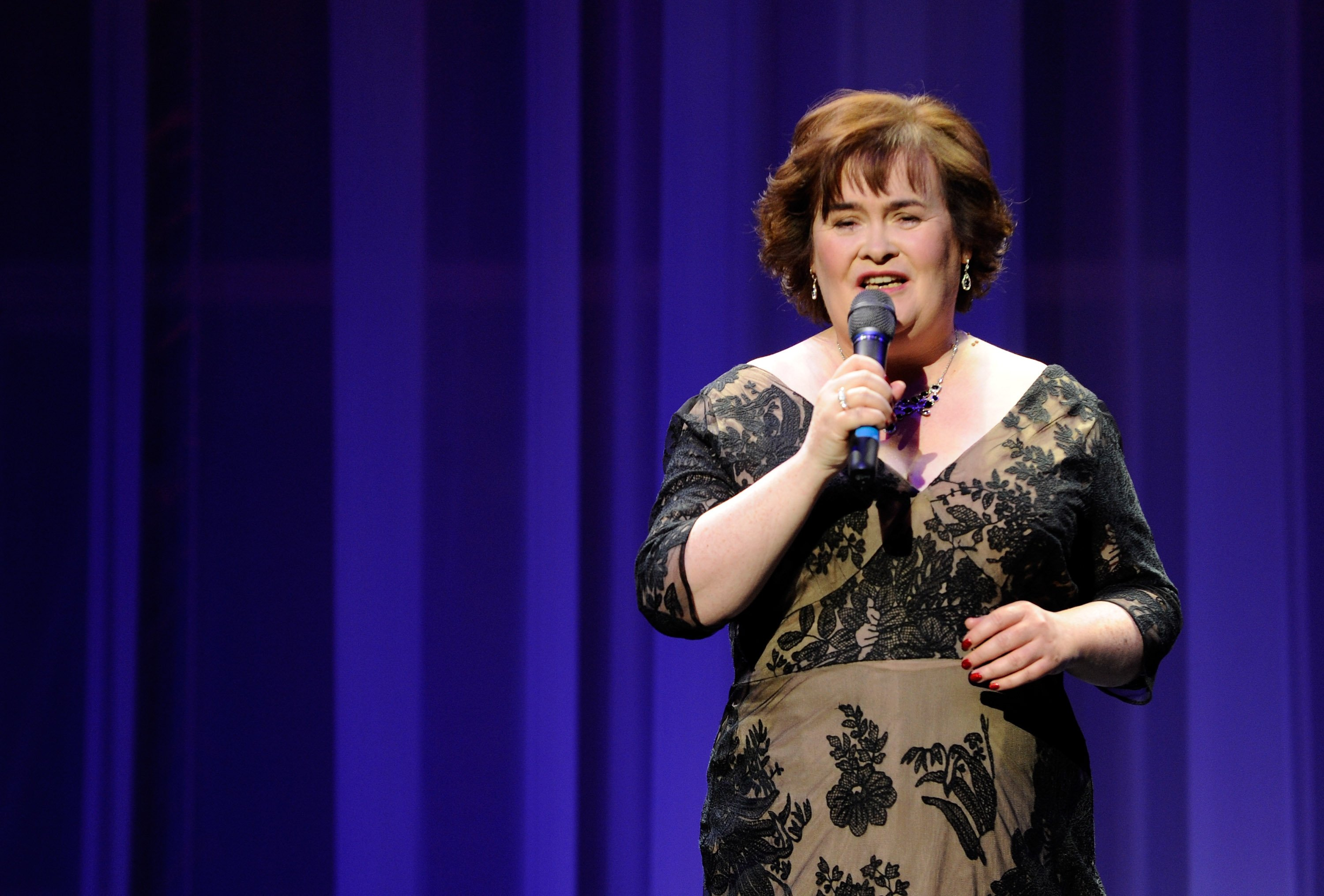 Susan Boyle performs during the Donny & Marie variety show at the Flamingo Las Vegas October 17, 2012. | Photo: GettyImages