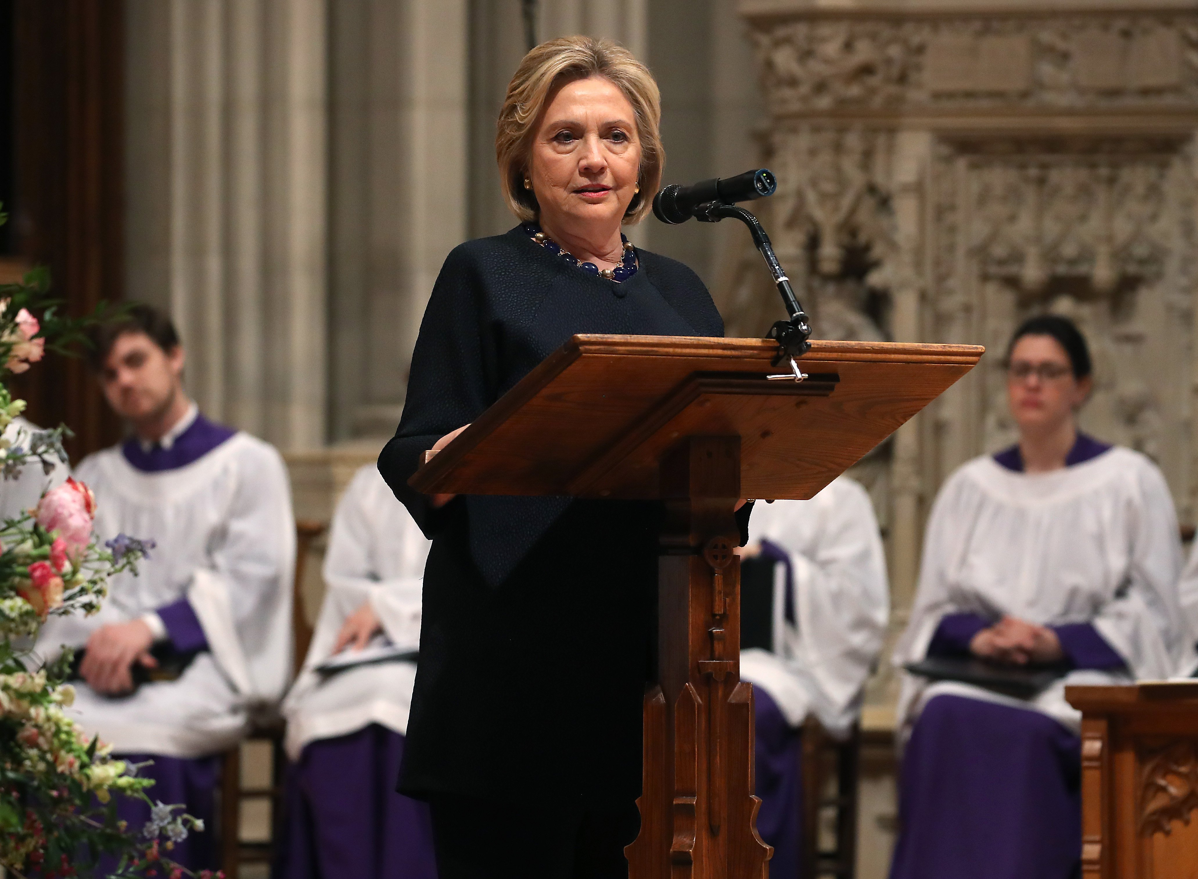 Hillary Clinton delivering a speech at Rep. Ellen Tauscher's memorial service at the Washington National Cathedral | Photo: Getty Images