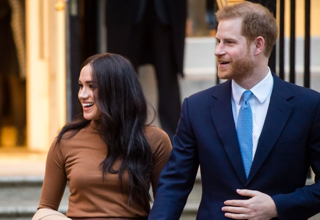 Le prince Harry, duc de Sussex et Meghan, duchesse de Sussex quittent la Maison du Canada. | Photo : Getty Images