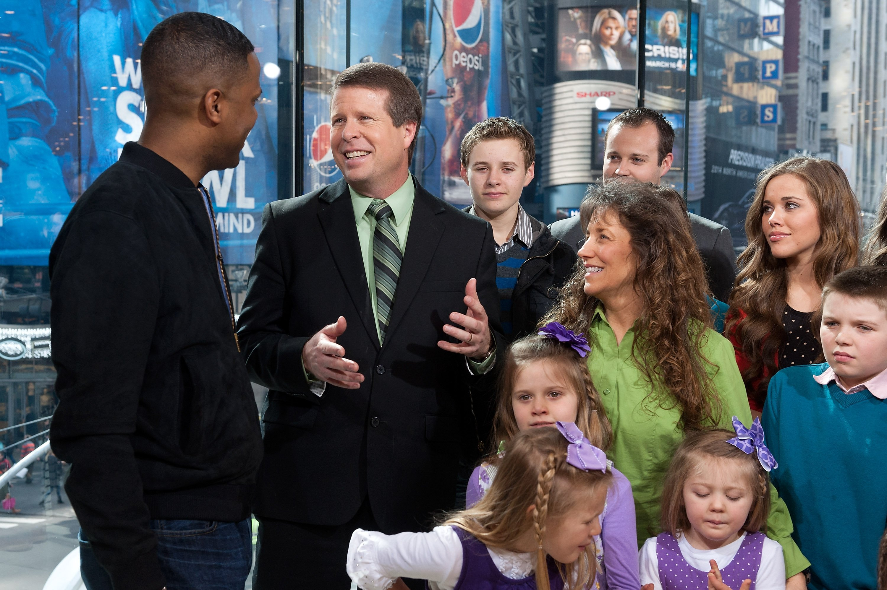 Jim Bob and Michelle Duggar with their kids. | Source: Getty Images