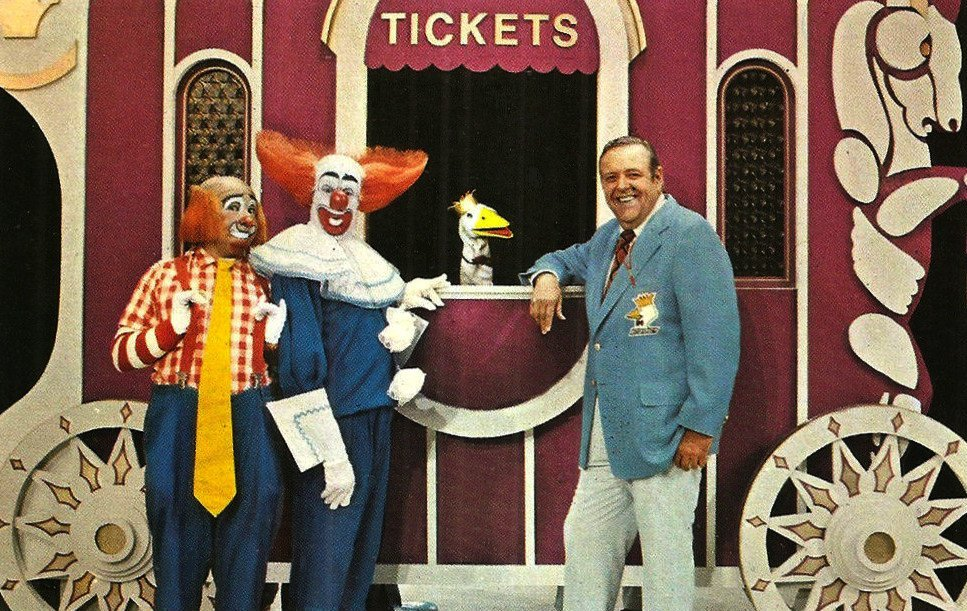 Cooky the Clown, Bozo, Garfield Goose, and Frazier Thomas on Bozo's Circus | Source: Wikimedia Commons