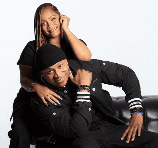 Simone Smith and her husband LL Cool J in a cozy picture together. | Photo: Instagram/Sislovespurple