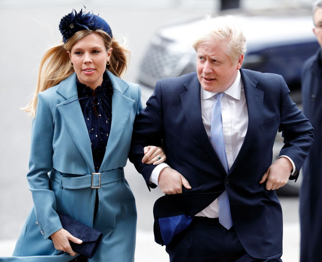 Carrie Symonds et le Premier ministre Boris Johnson assistent au Commonwealth Day Service 2020 à l'abbaye de Westminster le 9 mars 2020 à Londres. | Photo : Getty Images