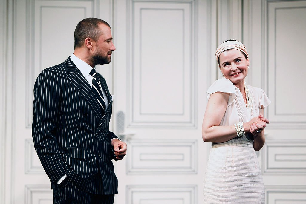 Alexandre Brasseur dans une de ses pièces de théâtre. l Source : Getty Images