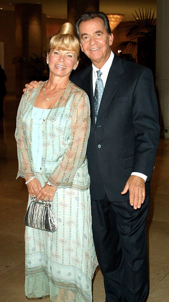 Dick and Kari Clark at the Big Brothers Big Sisters Gala and Auction Benefit October 12, 2001 | Photo: GettyImages