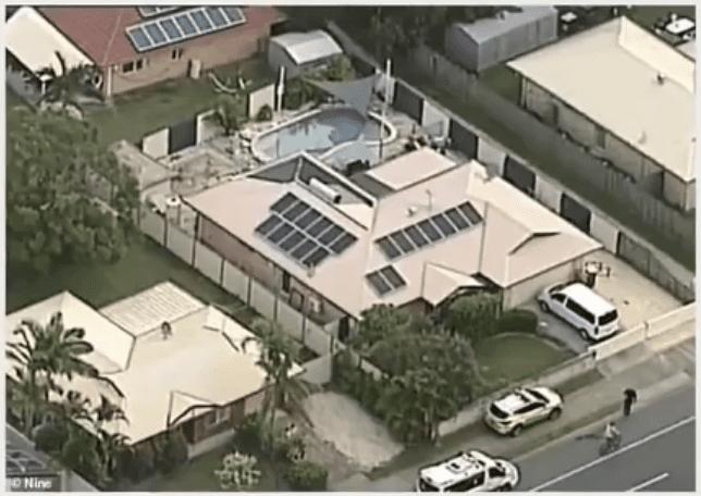 Vue aérienne de la maison où les 2 bambins vivaient et où ils se sont noyés.   YouTube/DailyNewsUSA