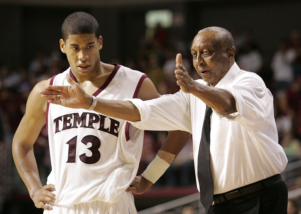 John Chaney coaching Temple Owl guard Mark Tyndale during a basketball match against Army in Liacouras Center in Phialdpehia, Pennsylvania on November 15, 2005.   Photo: Getty Images