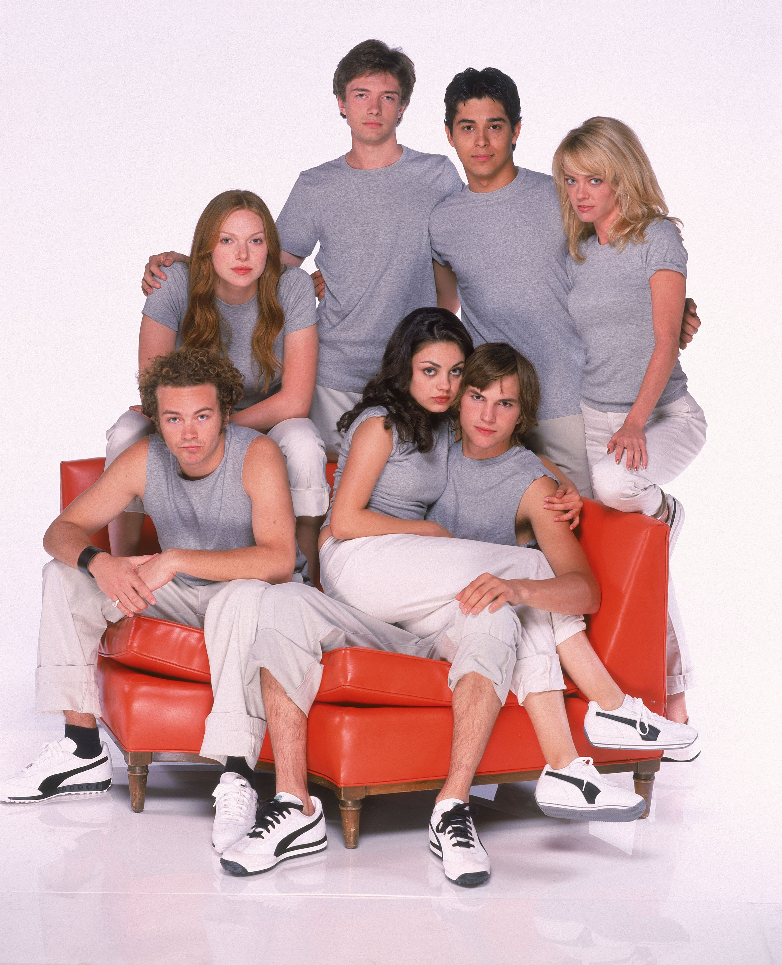 "Cast of ""That '70s Show""  Topher Grace, Wilmer Valderrama, Lisa Robin Kelly, Ashton Kutcher, Mila Kunis, Danny Masterson, and Laura Prepon 