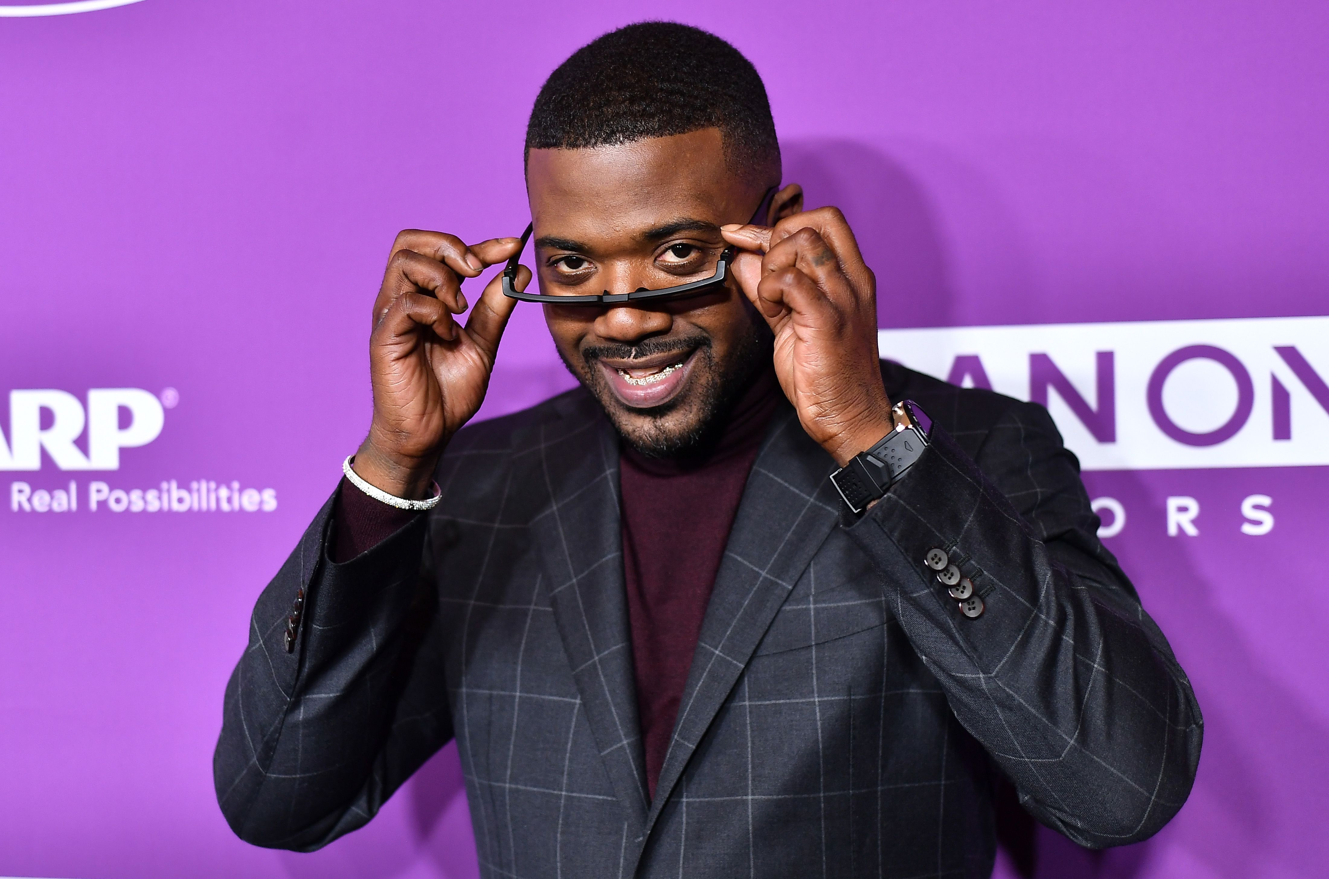 Ray J Dared Interviewer to Step on His Glasses Which He Claimed Were Unbreakable & the Awkward Moment Went Viral