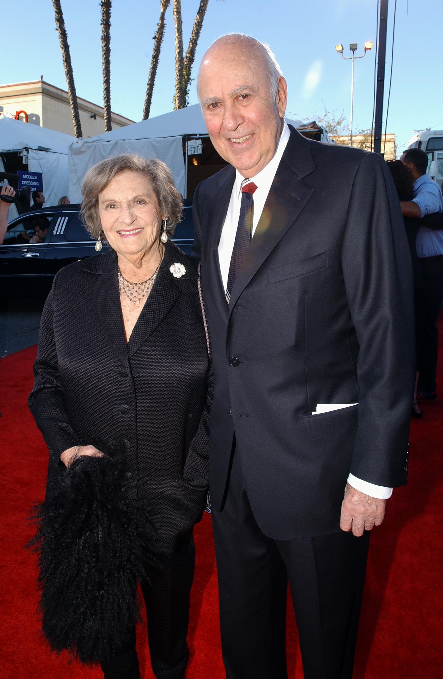 Carl Reiner et sa femme Estelle au Hollywood Palladium le 2 mars 2003 à Hollywood, Californie. | Photo : Getty Images