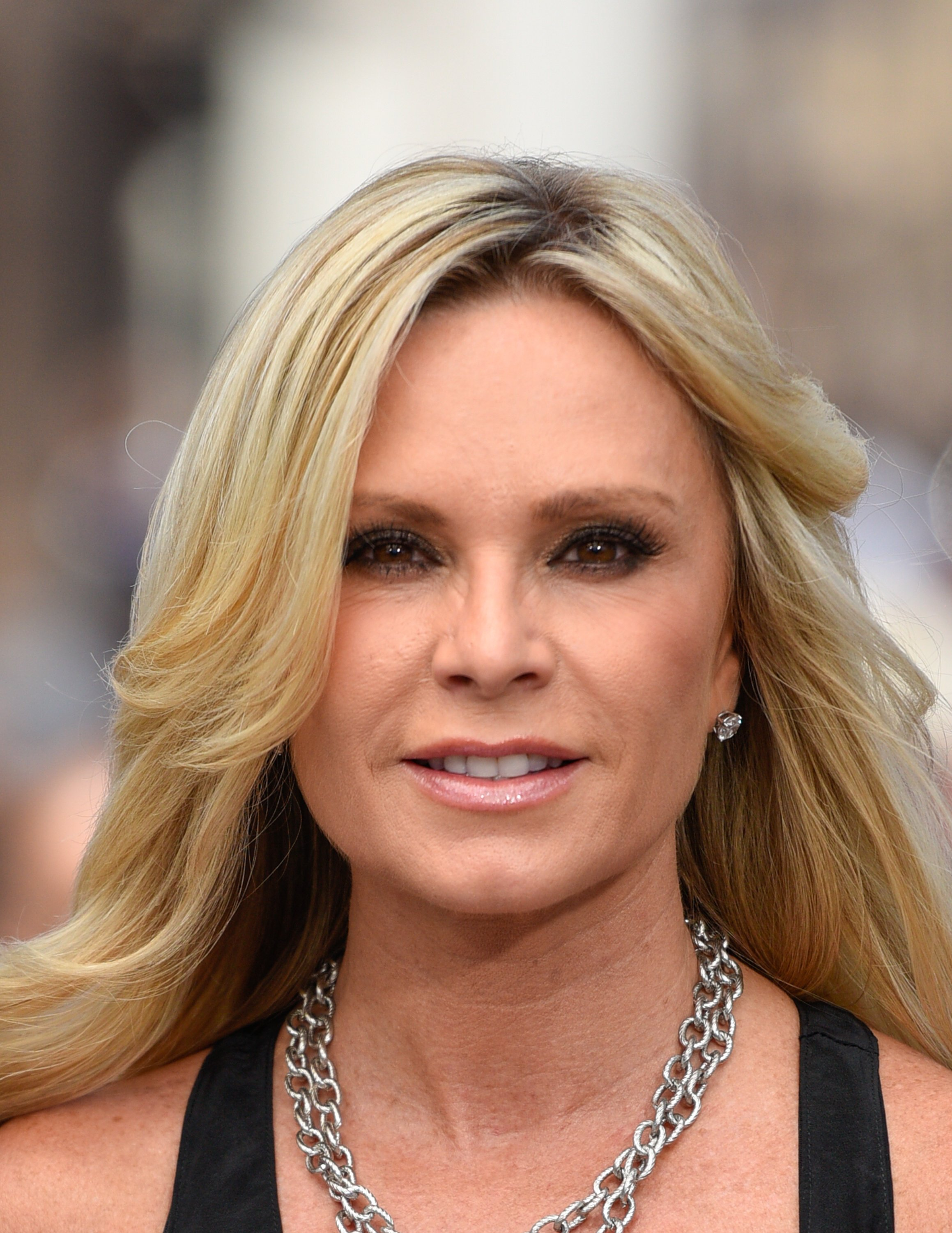 """Tamra Judge visits """"Extra"""" at Universal Studios Hollywood on July 6, 2015 in Universal City, California   Photo: Getty Images"""