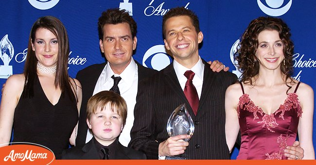 Melanie Lynskey, Angus T. Jones, Charlie Sheen, Marin Hinkel, and Jon Cryer of Two and a Half Men, winner for Favorite New TV Comedy Series.   Source: Getty Images
