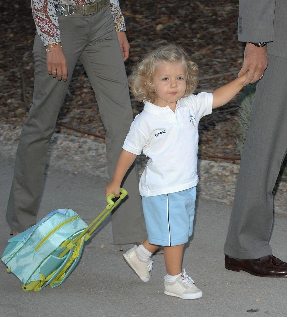 La princesa Leonor llegando a su primer día en la guardería, el 7 de septiembre de 2007, cerca de Madrid, España.   Foto: Getty Images