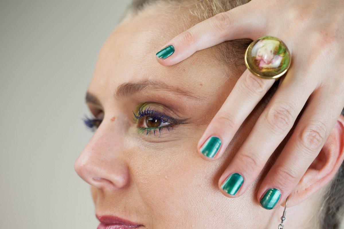 Une femme maquillée | Image : PxHere