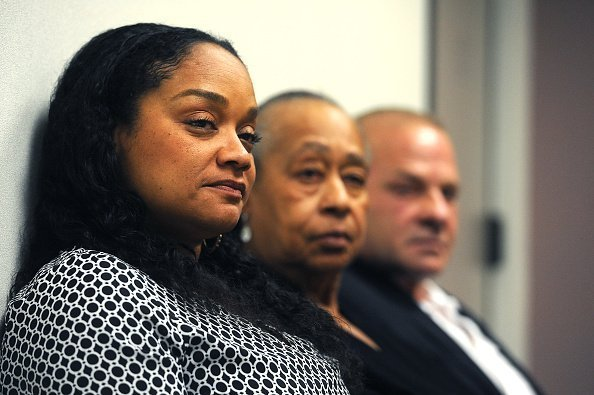 O.J. Simpson's daughter Arnelle Simpson at Simpson's parole hearing on July 20, 2017 | Photo: Getty Images