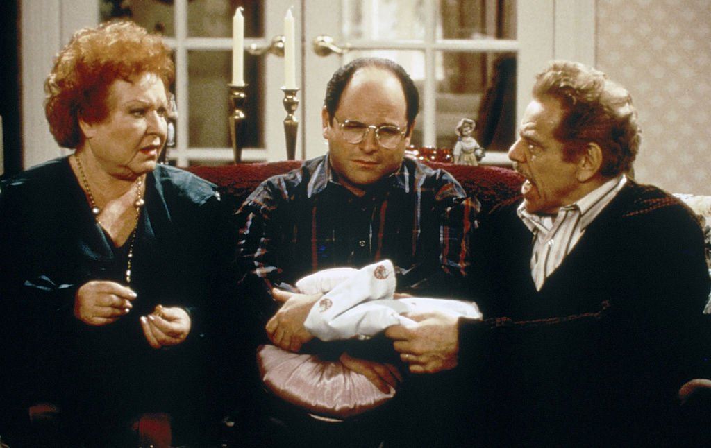 "SEINFELD -- ""The Shower Head"" Episode 15 -- Pictured: (l-r) Estelle Harris as Estelle Costanza, Jason Alexander as George Costanza, Jerry Stiller as Frank Costanza 