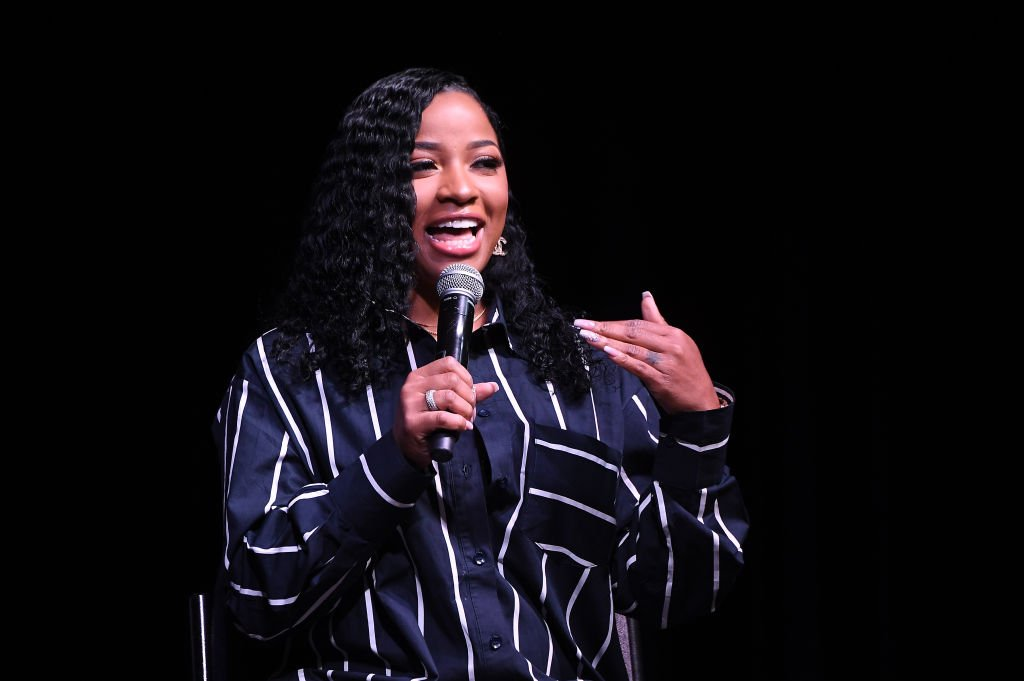 Author Toya Wright speaks onstage during 2019 Atlanta Ultimate Women's Expo at Cobb Galleria Centre | Photo: Getty Images