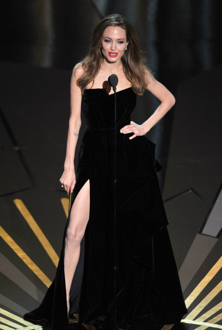 Angelina Jolie  during the 84th Annual Academy Awards at the Hollywood & Highland Center on February 26, 2012 | Photo: Getty Images