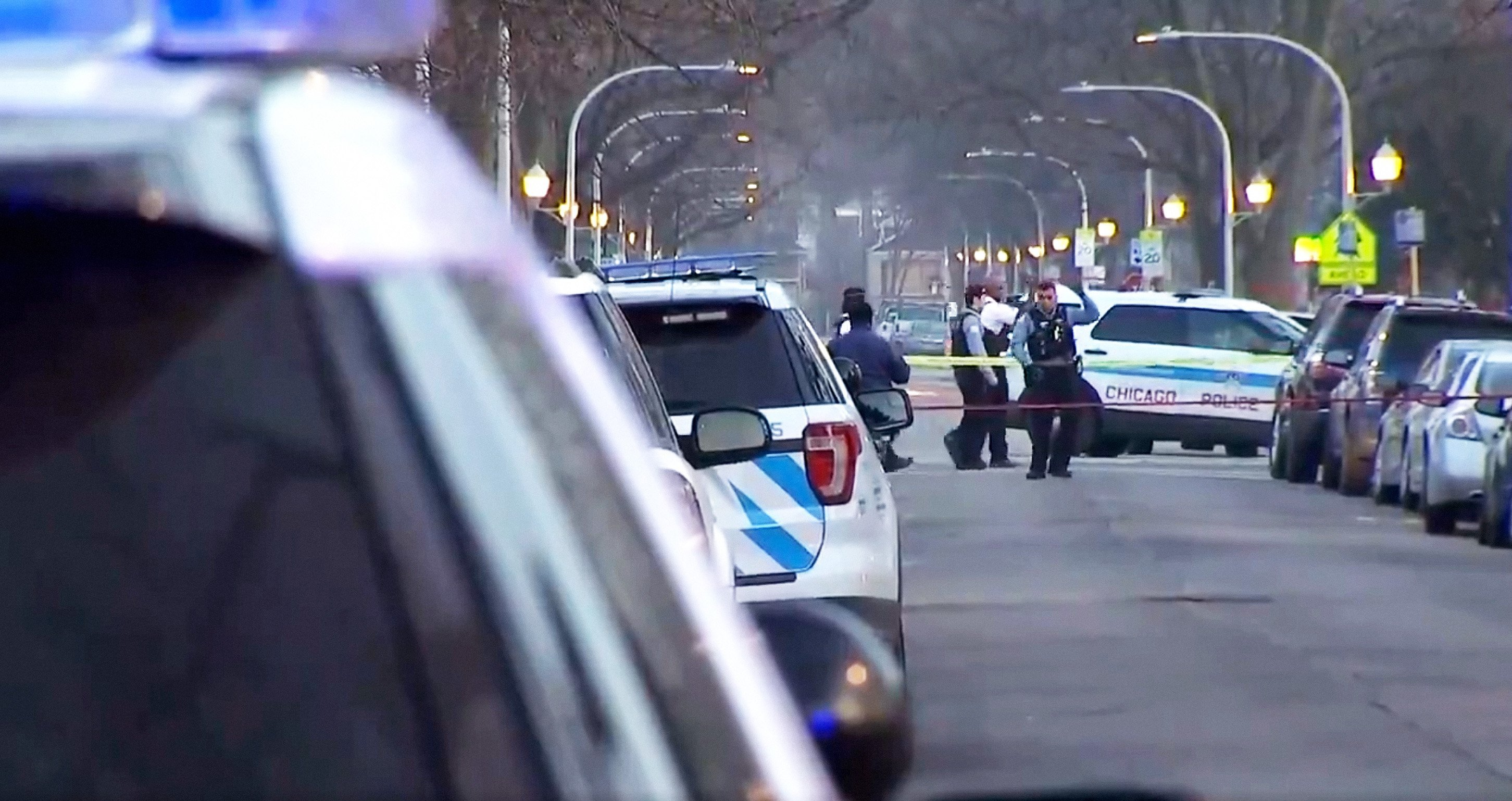 Heavy police presence at the scene of the crime | Photo: NBC Chicago