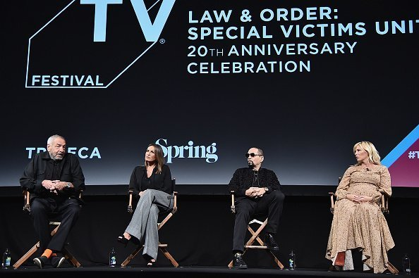 Mariska Hargitay and co-stars speak onstage at the 'Law & Order: SVU' 20th Anniversary Celebration | Photo: Getty Images