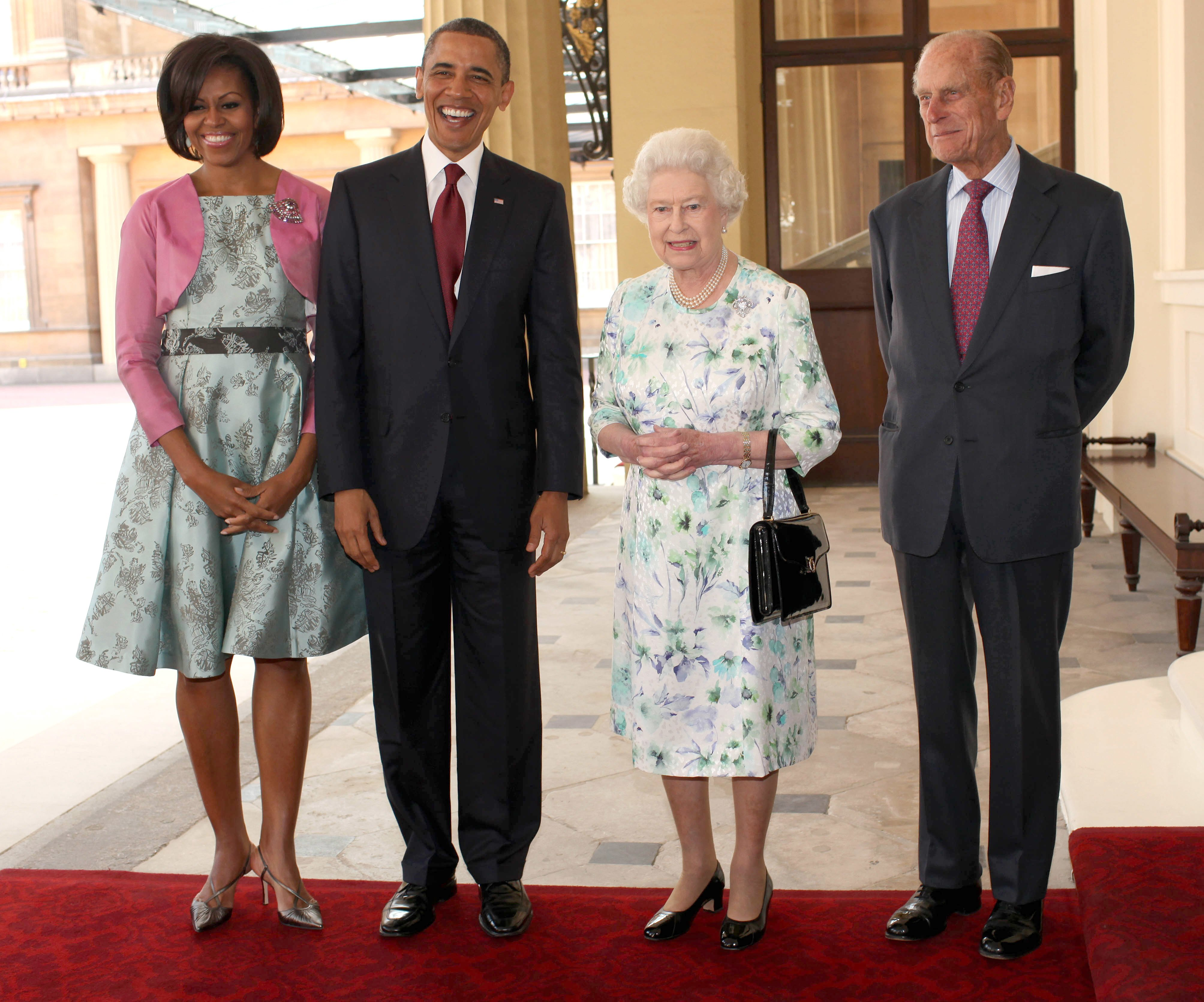 Former President Barack Obama, Michelle Obama, Queen Elizabeth II and Prince Philip, pose for a photograph at Buckingham Palace on May 24, 2011 in London, England. | Photo: Getty Images