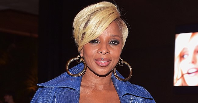 Check Out Mary J Blige's Gorgeous Blue Eye Make up and Straight Blonde Hair in a New Selfie