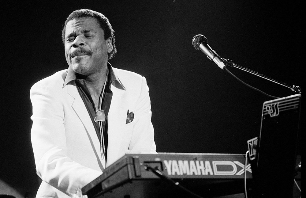 Billy Preston photographed mid performance for LIFE magazine in 1989. I Image: Getty Images.