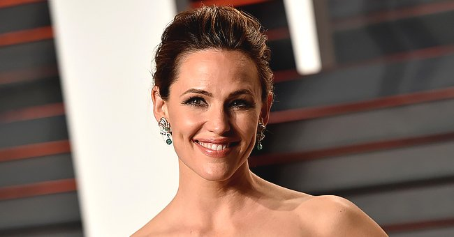 Here's How Jennifer Garner Hilariously Responded to Troll Suspecting She Was Pregnant
