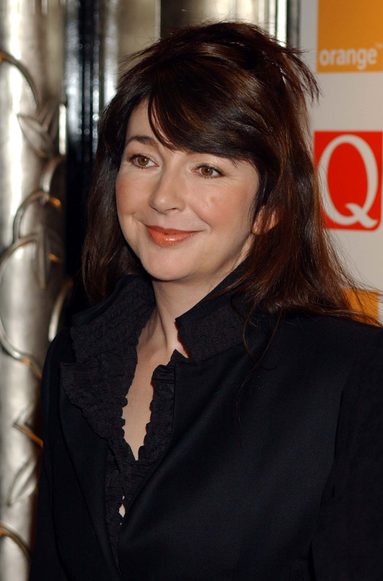 Singer Kate Bush arrives at the Park Lane Hotel, Mayfair London for the 2001 'Q' Magazine annual music awards | Photo: Getty Images