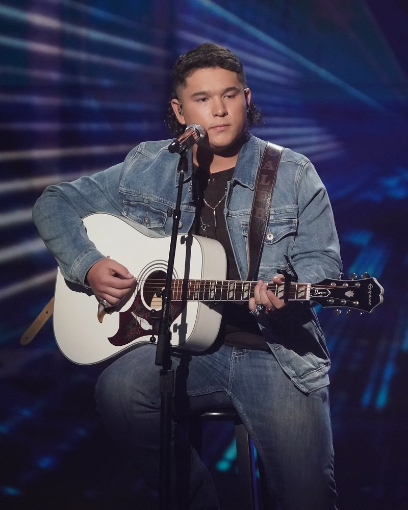 """Caleb Kennedy during an episode of """"American Idol"""" in May 2021   Photo: Getty Images"""