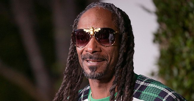 Snoop Dogg's Daughter Cori Shows off Her Figure in a White Crop Top & Pants after Losing Weight