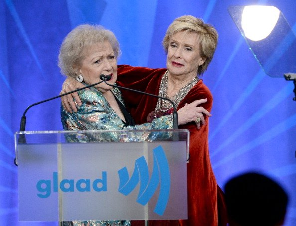 Betty White and Cloris Leachman at L.A. LIVE on April 20, 2013 in Los Angeles, California. | Photo: Getty Images