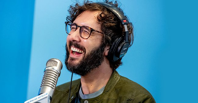 People: Josh Groban Speaks Out about His New Amusing Catchy Ballad Dedicated to Baked Beans