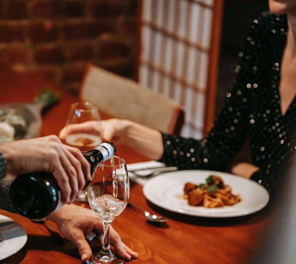 It was supposed to be a romantic dinner   Source: Pexels