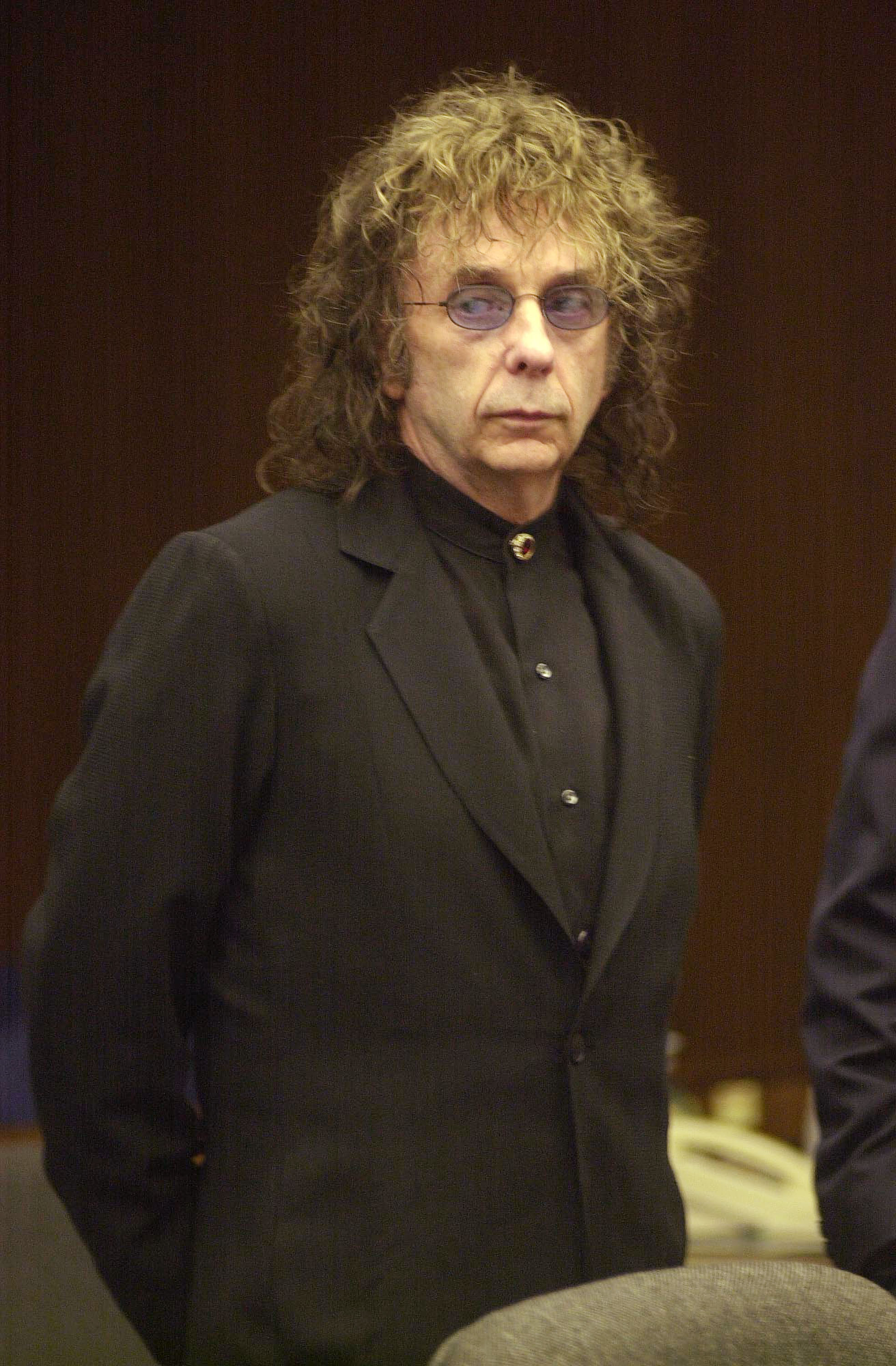 Phil Spector appears in Alhambra Superior Court on November 20, 2003, in Alhambra, California | Photo: Getty Images
