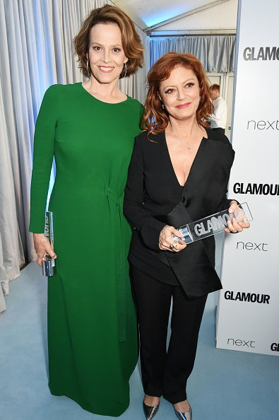 Sigourney Weaver and Susan Sarandon on June 7, 2016 in London, United Kingdom. | Photo: Getty Images