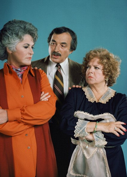 Bea Arthur, Bill Macy and Hermione Baddeley pictured in 1974. | Photo: Getty Images