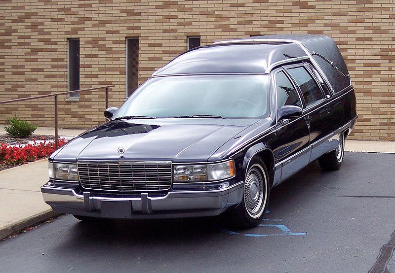 Carroza fúnebre.   Foto: Wikipedia.