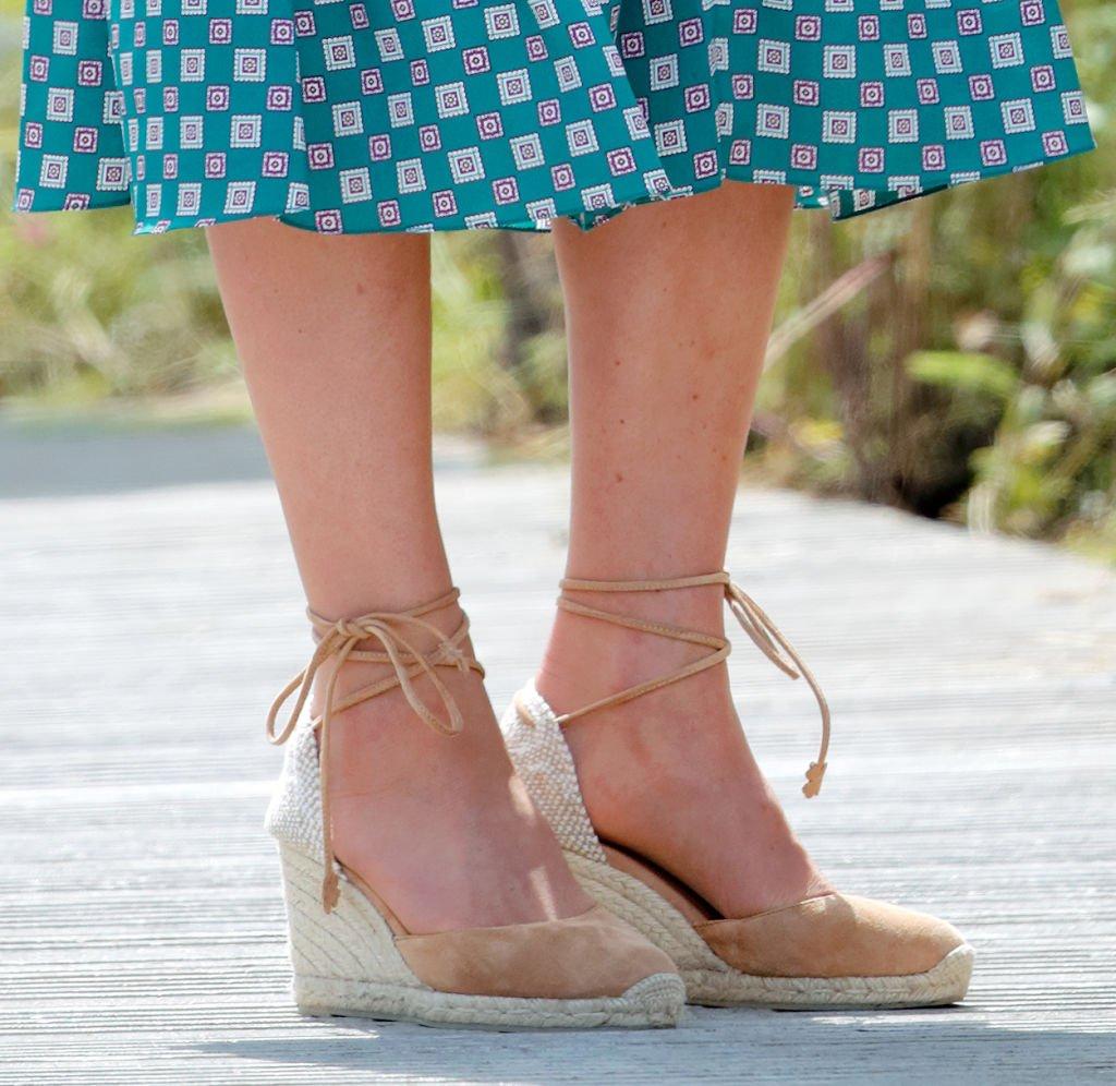 Kate Middleton luciendo su calzado veraniego. | Foto: Getty Images