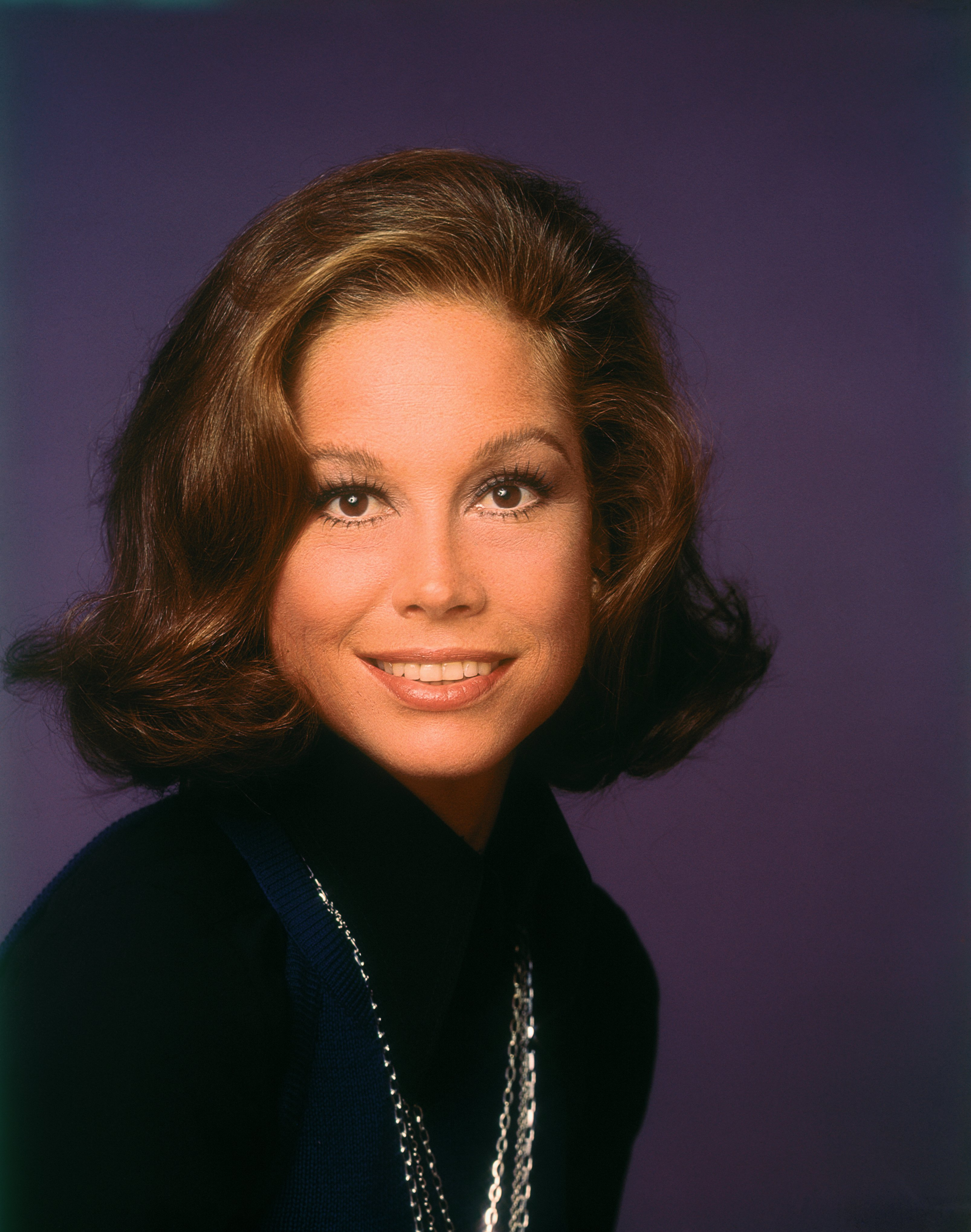 Close-up of smiling actress Mary Tyler Moore who stars in the television series The Mary Tyler Moore Show, circa 1975. | Source: Getty Images